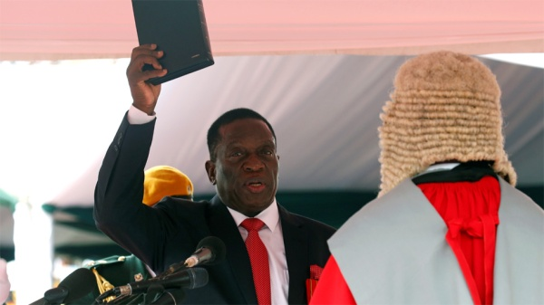 Emerson-Mnangagwa-sworn-in