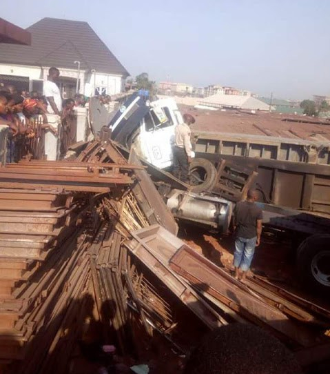 40ft-container-causes-death-in-Onitsha
