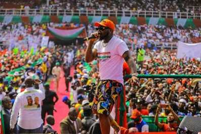 Davido performing at PDP rally in Rivers state